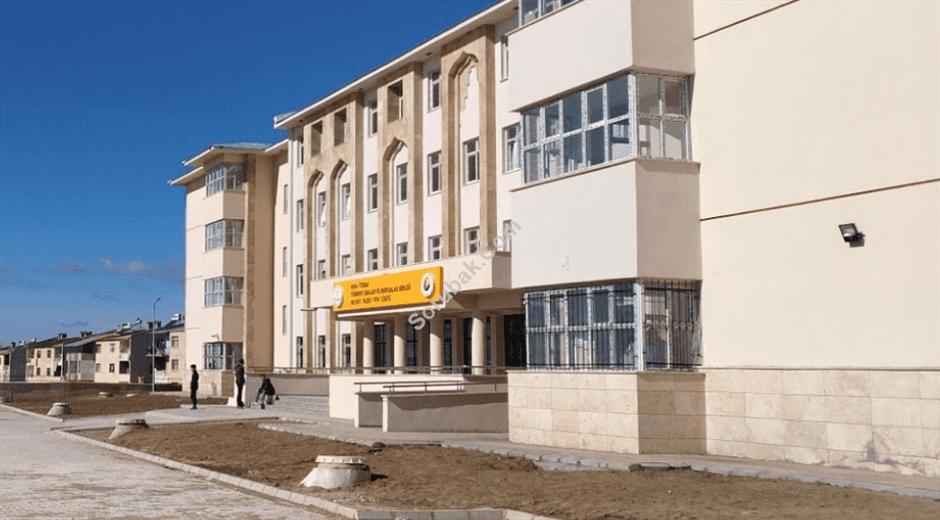 Tuşba Türkiye Odalar ve Borsalar Birliği Fen Lisesi