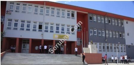 Dr. Nilüfer Özyurt Anadolu Lisesi
