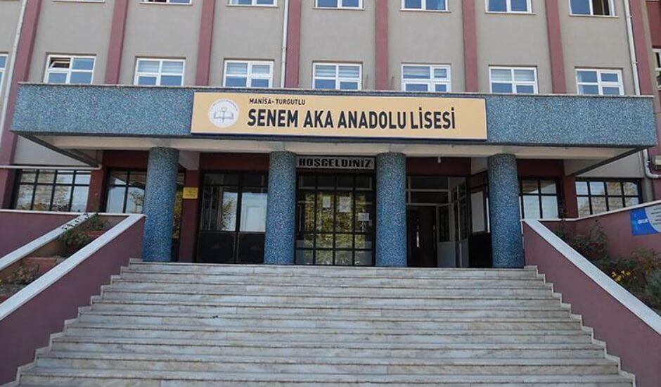 Senem Aka Anadolu Lisesi