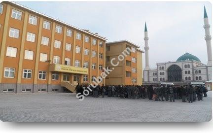 Palandöken Yıldızkent Hüseyin Avni Ulaş Anadolu Lisesi