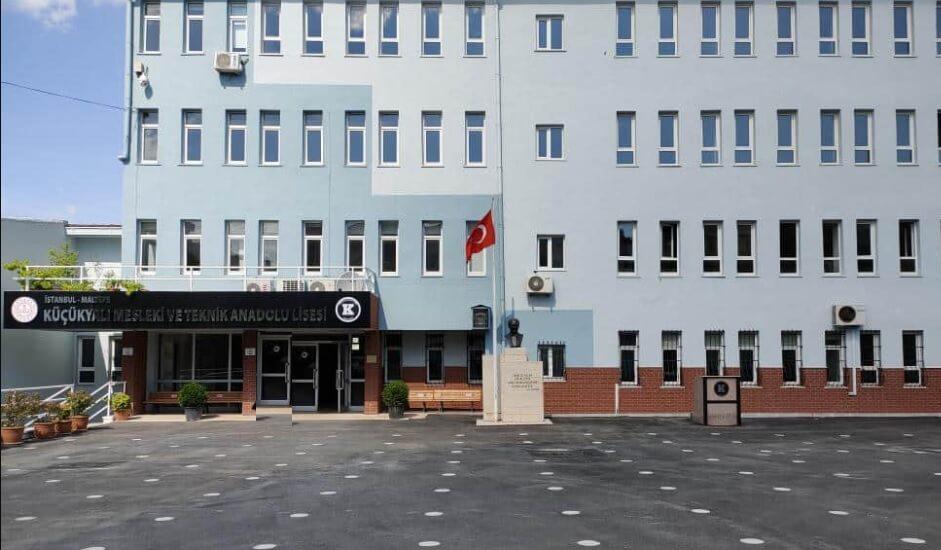 Küçükyalı Mesleki ve Teknik Anadolu Lisesi