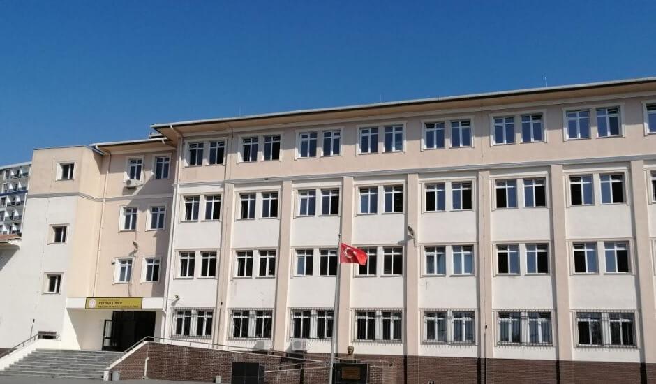 Refhan Tümer Mesleki ve Teknik Anadolu Lisesi İstanbul/Eyüpsultan