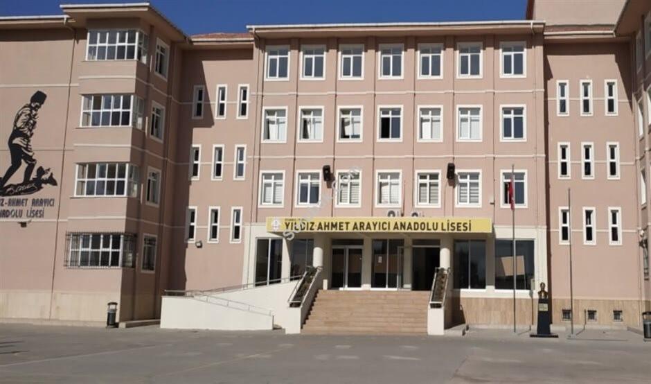Yıldız Ahmet Arayıcı Anadolu Lisesi