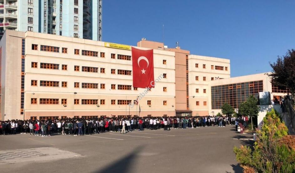 Nuri Pakdil Anadolu Lisesi