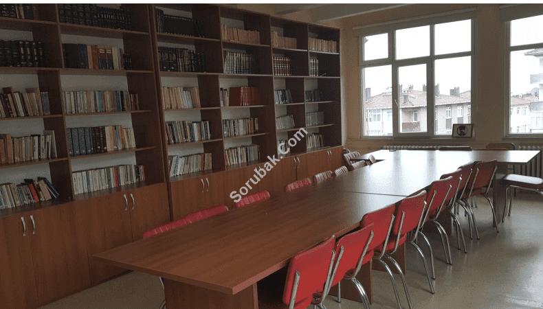 Küçükyalı Rezan Has Anadolu Lisesi