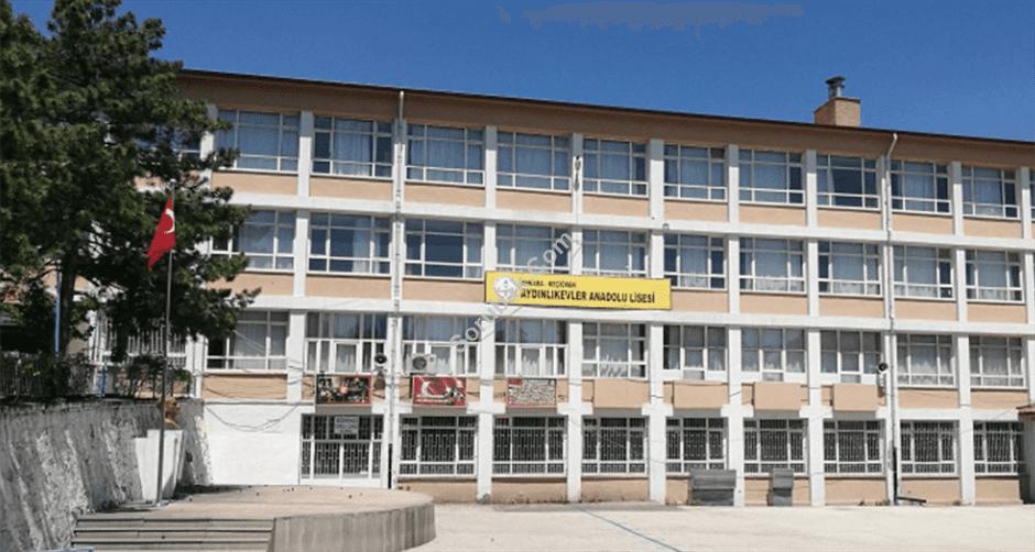 Aydınlıkevler Anadolu Lisesi