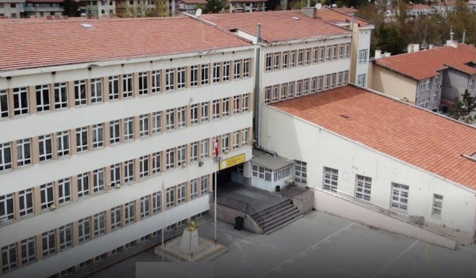 Yahya Kemal Beyatlı Anadolu Lisesi