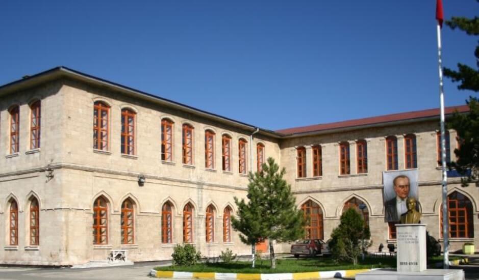 Selçuk Anadolu Lisesi