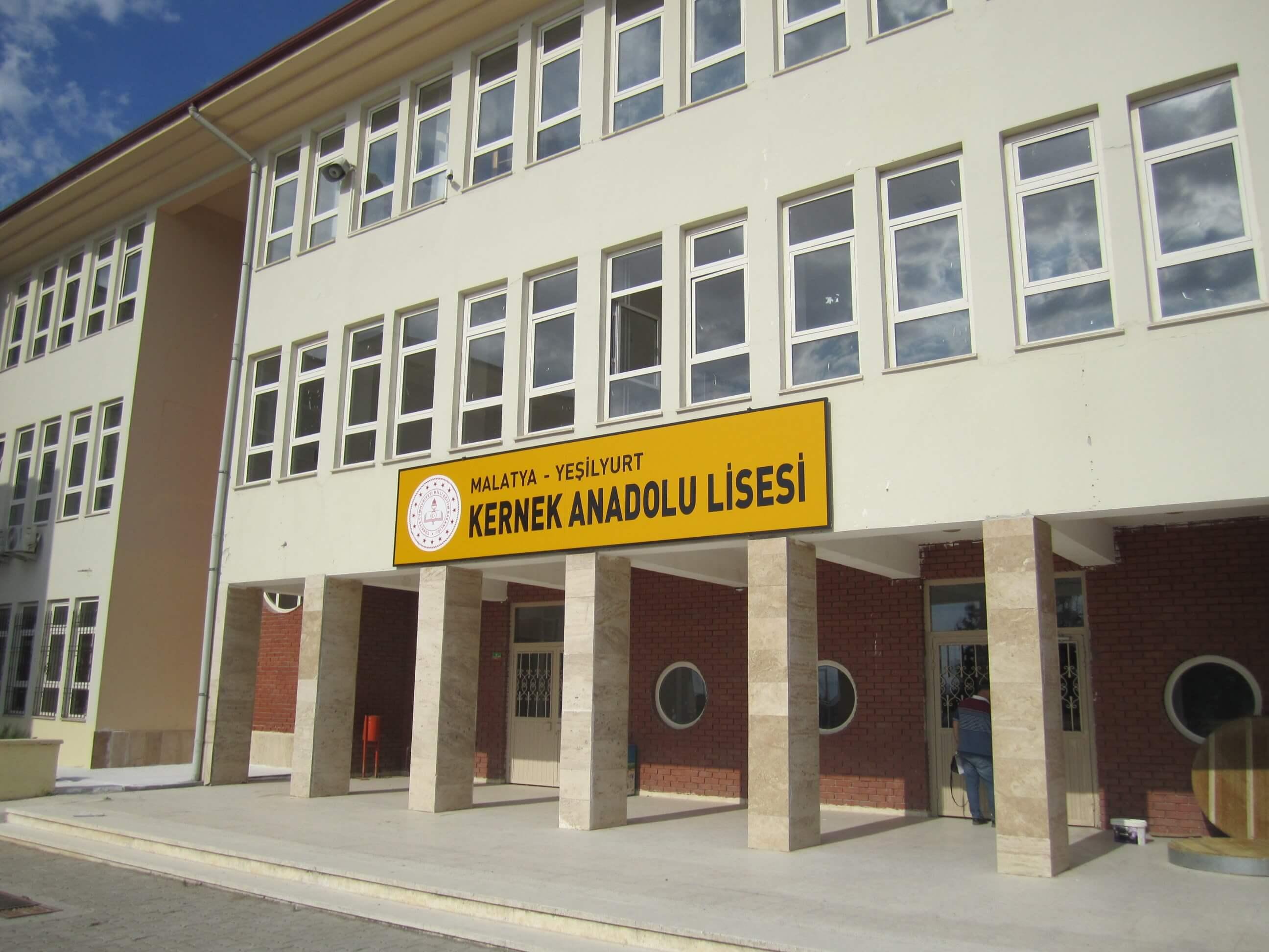 Kernek Anadolu Lisesi